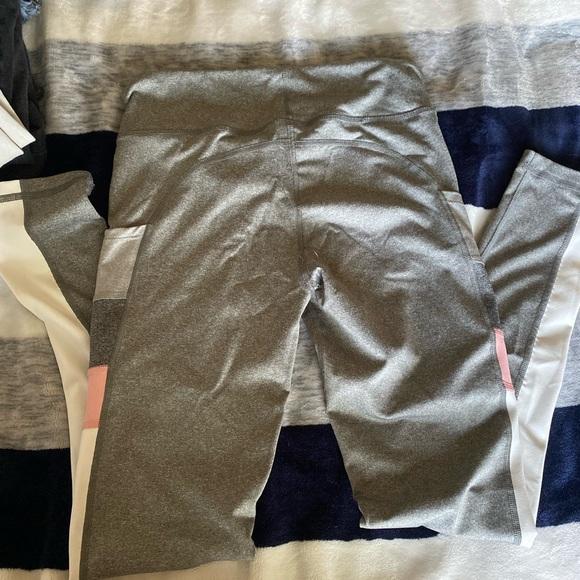 Aeropostale multi colored leggings size M.